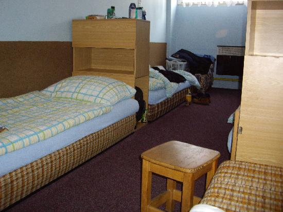 Boathouse: 5 bed male dorm