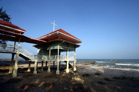 Mrigadayavan Palace : Seaside pavilion at Marukatayawan Palace