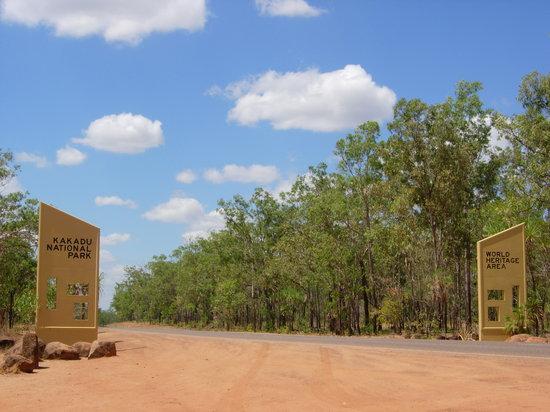 Darwin, Australia: 国立公園入口の看板