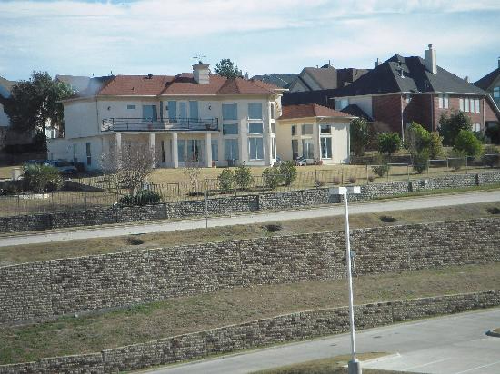 Hilton Dallas / Rockwall Lakefront: The Neighborhood Across the Street