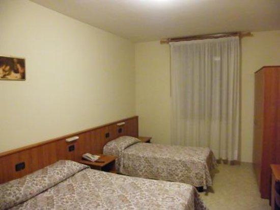 Hotel Padova Casa del Pellegrino : Room
