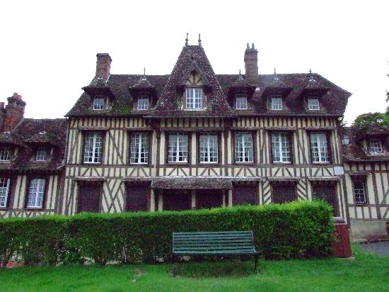 Maurice Ravel house - Lyons le Foret - Picture of Hotel La Licorne ...