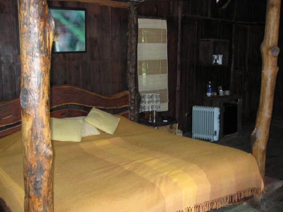 Bandhavgarh National Park, India: Bedroom in the treehouse