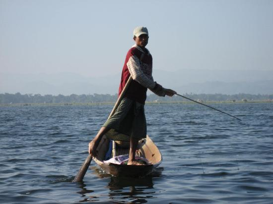 Khaung Daing, ميانمار: Fisherman