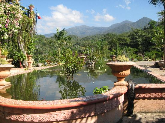 Beau Vallarta Botanical Gardens: Reflecting Pool At Plantation House