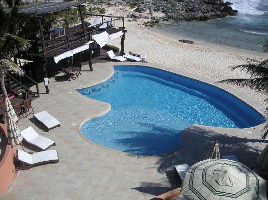 Playa La Media Luna Hotel: Hotel Pool
