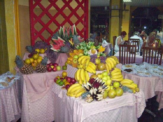 Hotel Club Tropical: The fruit selection is good