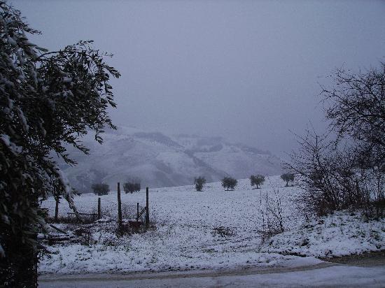 Caprafico, Италия: Snow at Christmas 2008