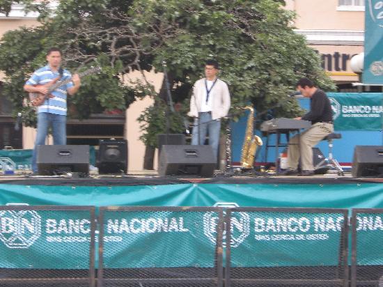 Casa Alfi : Live music on the Plaza