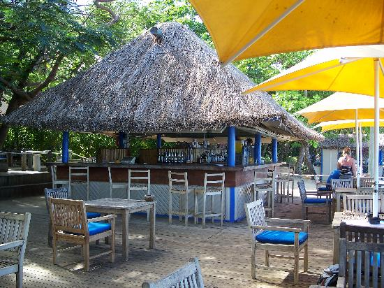 Malolo Island Resort: The beach bar
