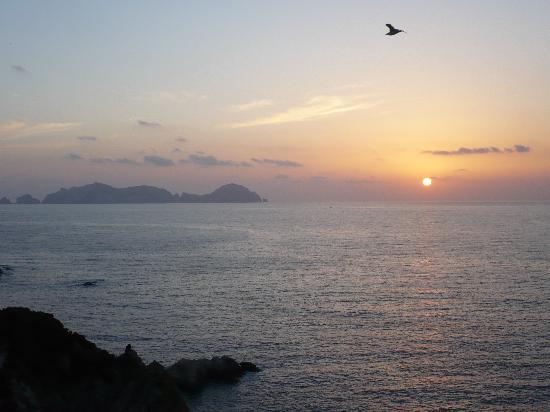 Ponza Island, إيطاليا: tramono su Palmarola