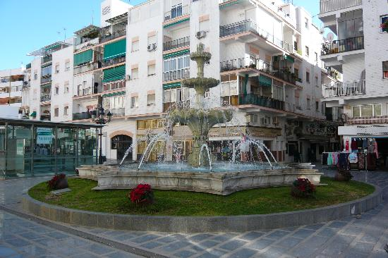 Sol Don Pedro by Meliá: Fountain in Torremolinos