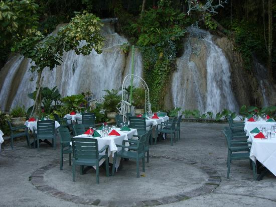 The Ruins At Falls Dining Area Outside