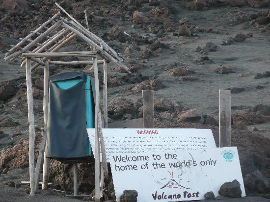 La Boite Aux Lettres Sur Le Mont Yasur Picture Of Tanna