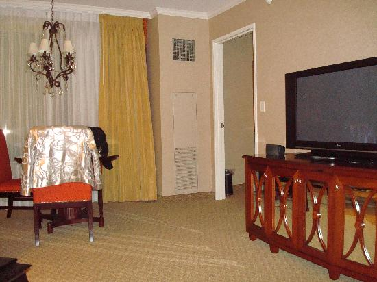 Living Room W Big Screen Tv Foto Harrah 39 S New Orleans New Orleans Tripadvisor