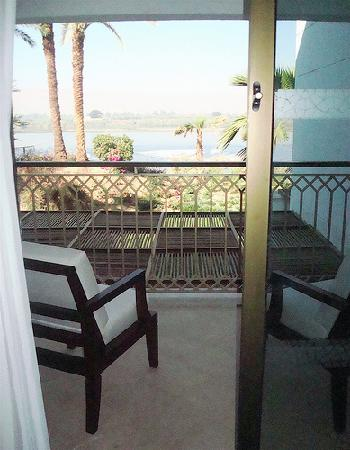 Hilton Luxor Resort & Spa: View of Nile from balcony