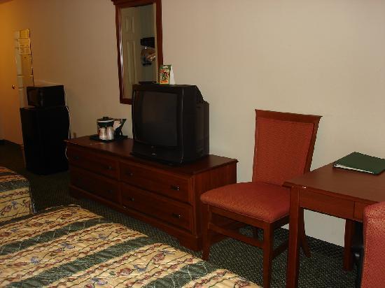 Centerstone Inn & Suites Mechanicsburg: Bedroom Appliances