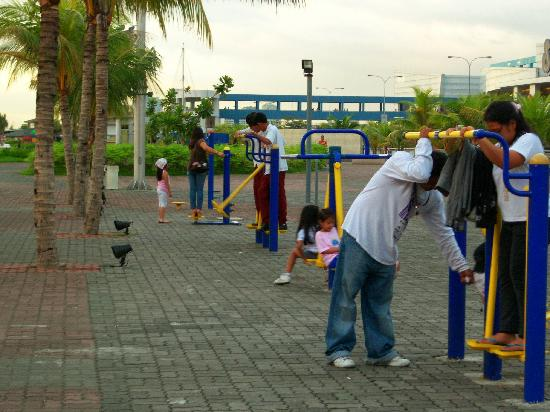SM Mall of Asia: Exercise & Play Area