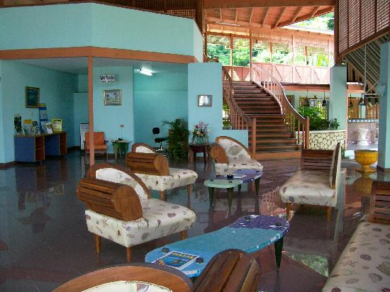 Golden Seas Beach Resort: Lobby
