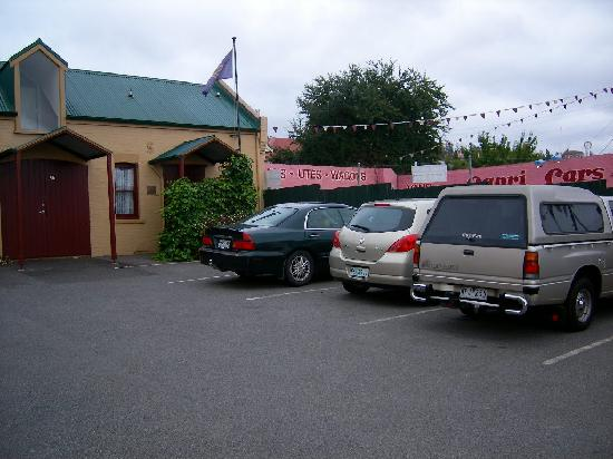 The Old Bakery Inn: Carpark