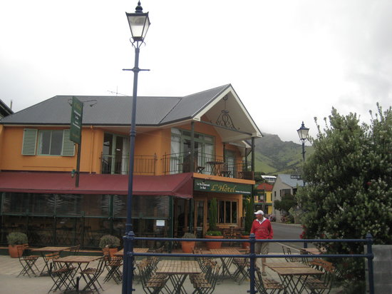 L'Hotel Akaroa: Front View