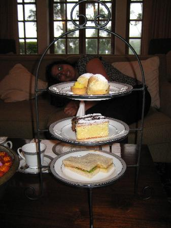 Ceylon Tea Trails: Hi-tea!