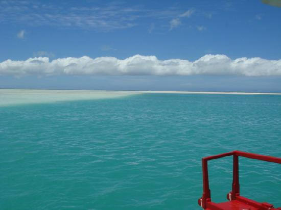 Kiritimati, Kiribati: heading out on the skiff