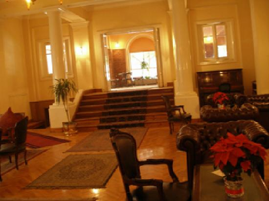 Victoria Hotel: Lobby / sitting room