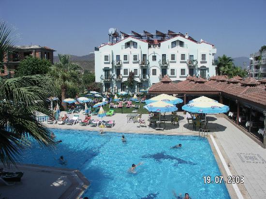 Oykun Hotel: Picine