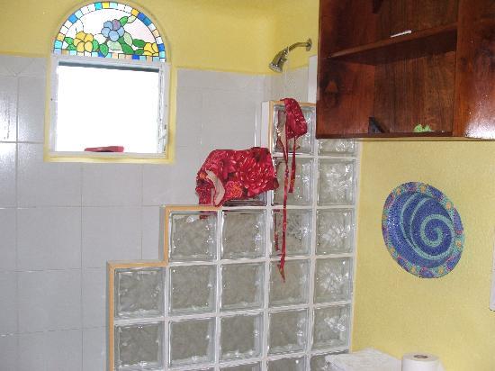Bath in Casita Maria, Playa Caribe