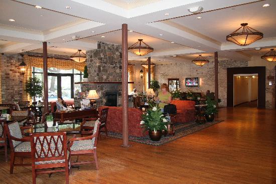 forrest gump bench picture of staybridge suites savannah. Black Bedroom Furniture Sets. Home Design Ideas
