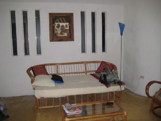 Cabanas Puerto Morelos: Living room area with fold-down bed