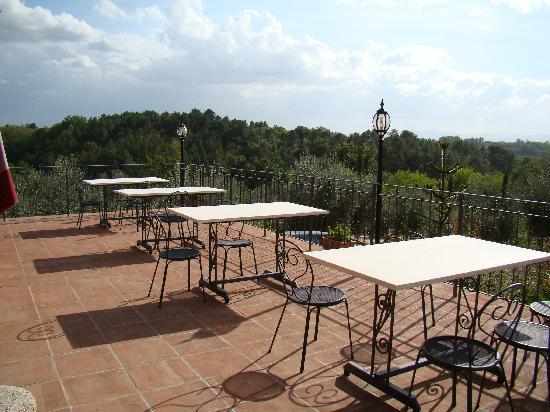 Agriturismo Savernano: Outside terrace