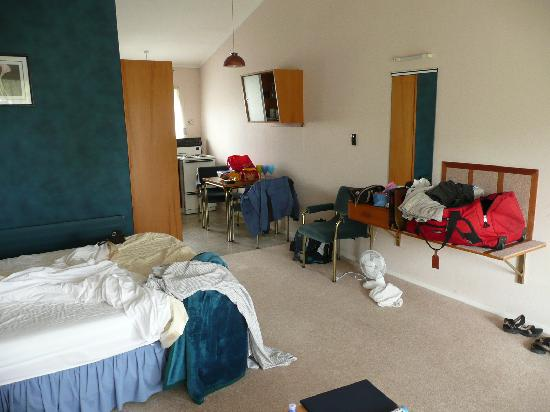 Ledwich Lodge Motel : a typical studio unit
