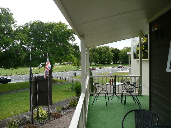 Ledwich Lodge Motel: more of the veranda and the park