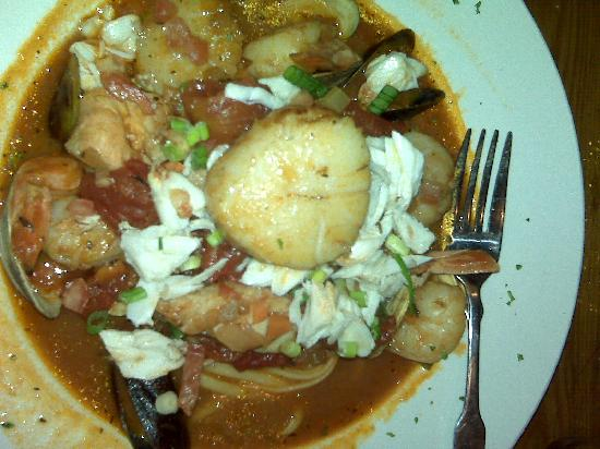 Fins Fish House & Raw Bar : Pasta and seafood