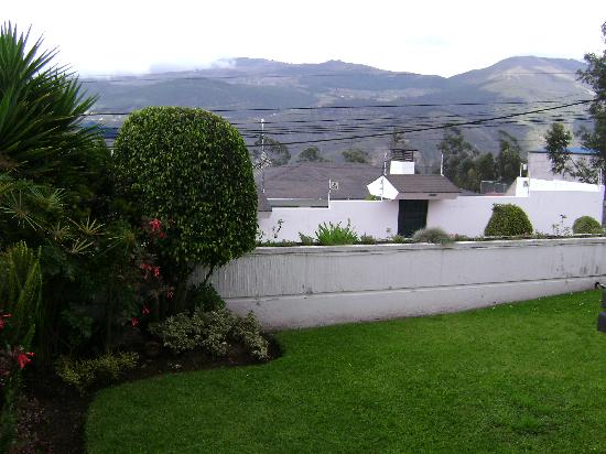 Ecuatreasures B&B: Views of the mountains