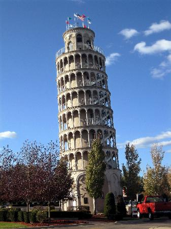 Leaning Tower of Niles 사진