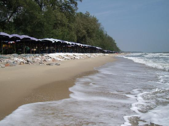 Rungaran de Challet: The beach at South Cha Am