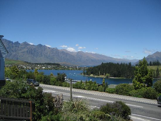 Copthorne Hotel & Apartments Queenstown Lakeview : View from our room