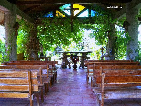 Luzon, Filippinerne: Outdoor Chapel