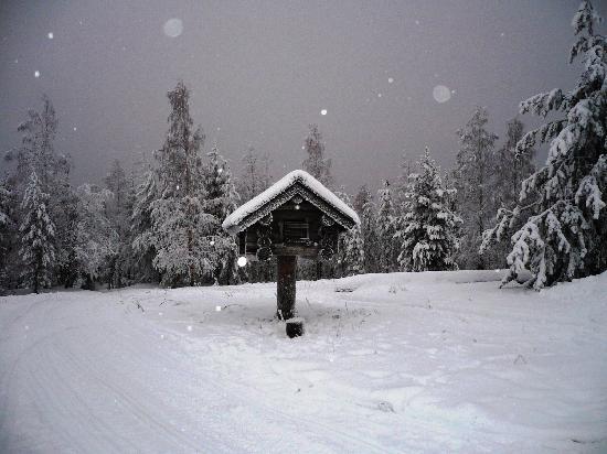 Rantasipi Pohjanhovi: nieve y mas nieve