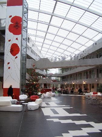 Olivarius Apart'hotel Cergy : Foyer