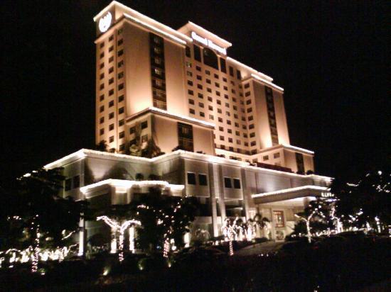 Chamen Hotel: External night view