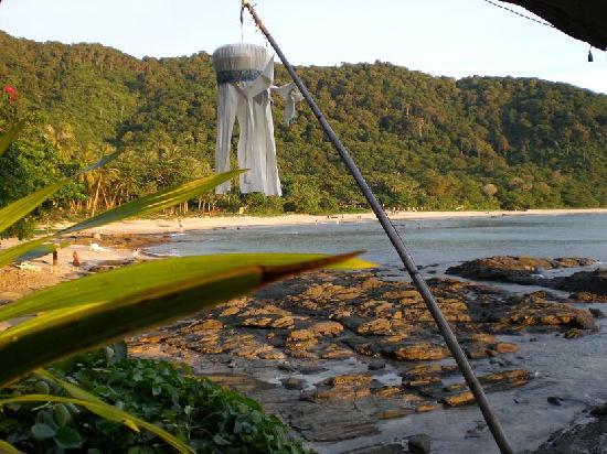 Bamboo Bay Resort: Blick vom Restaurant auf die Bucht