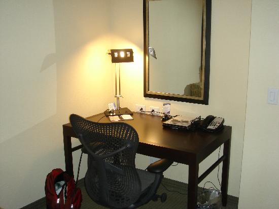 Hilton Garden Inn Lakeland: desk