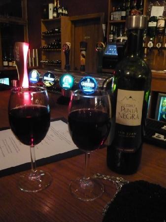 The Bringewood: Wine at the bar