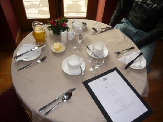 The Bringewood: Breakfast in the restaurant