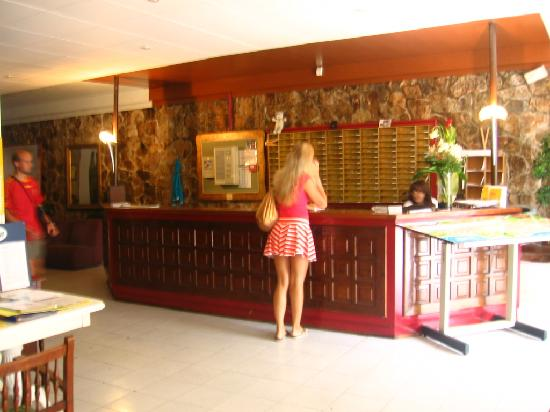 Hotel Goya: reception