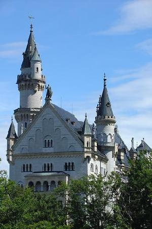 House L.A.  City Hostel : Neuschwanstein Castle